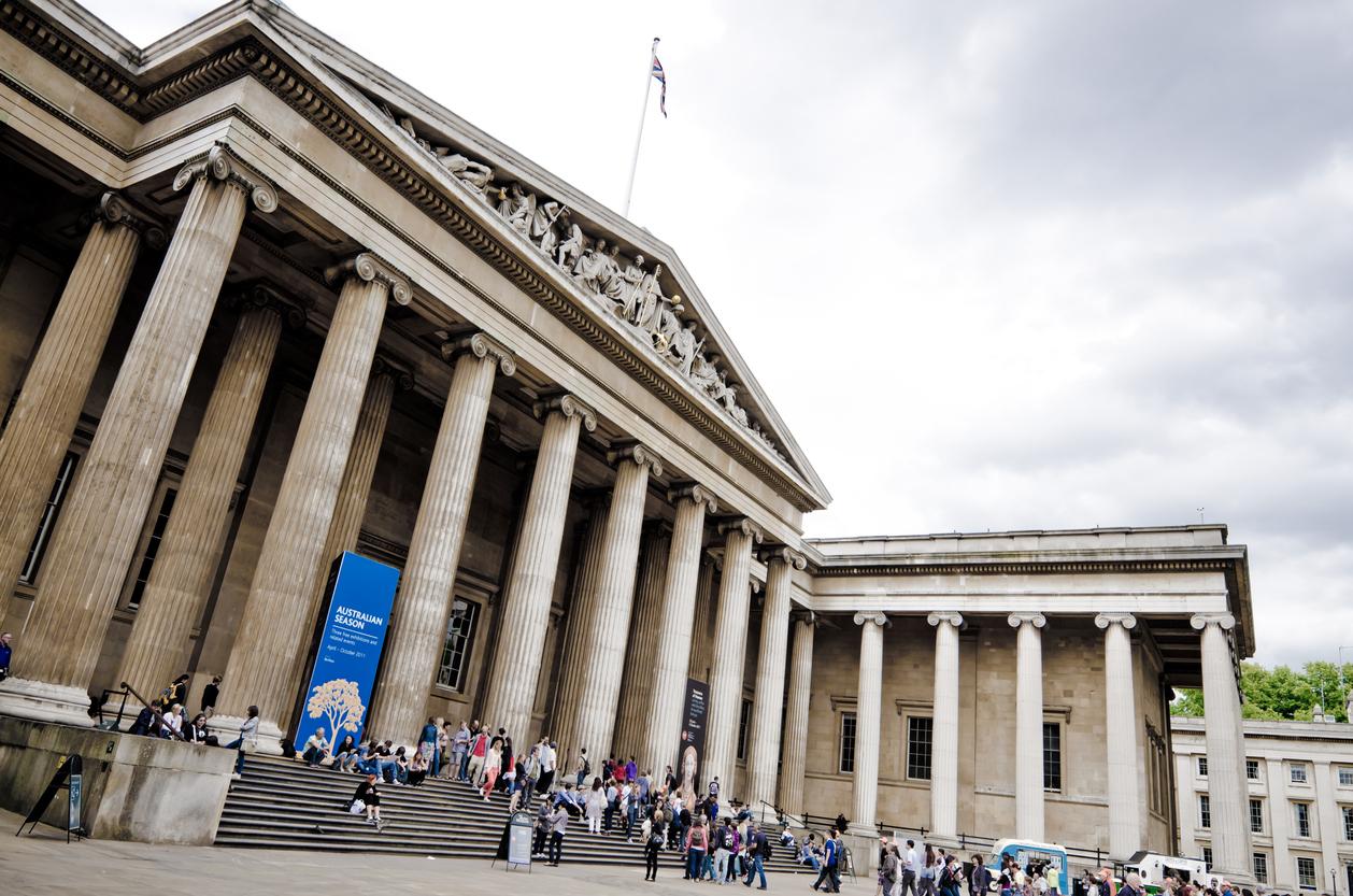 Antiikki ja historia – maailmalta museoihin